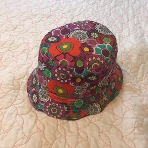 NWOT Hat for big girls or woman